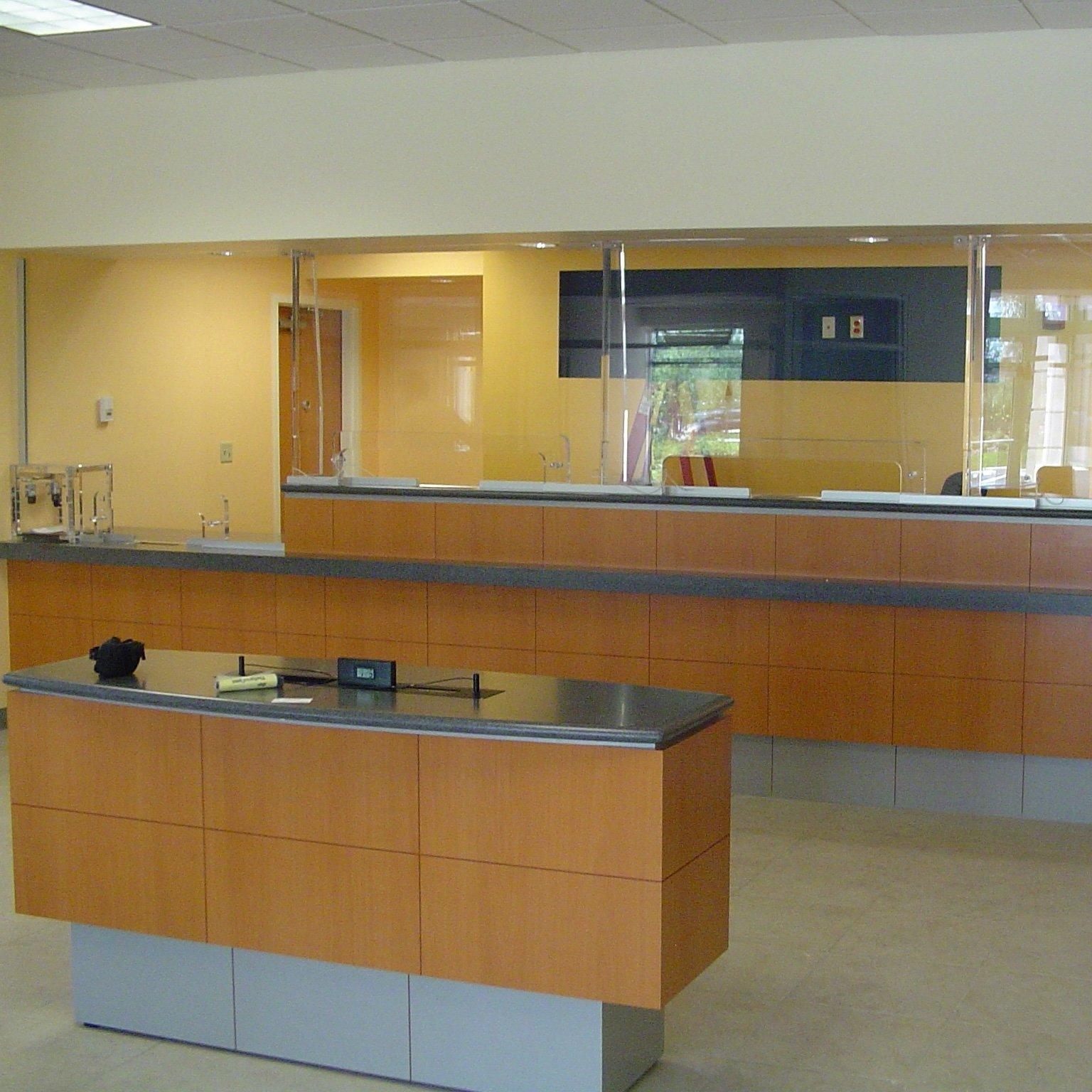 banking center, horizontal baffle system